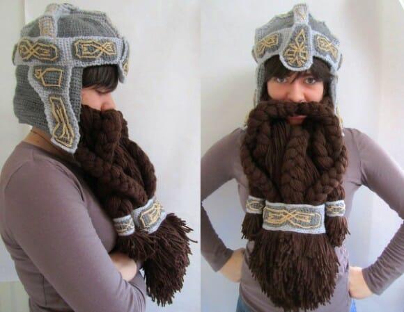 Touca em forma de capacete do filme O Hobbit vem com barba pra proteger do frio
