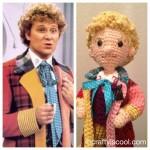 Os 11 doutores de Doctor Who feitos de crochê
