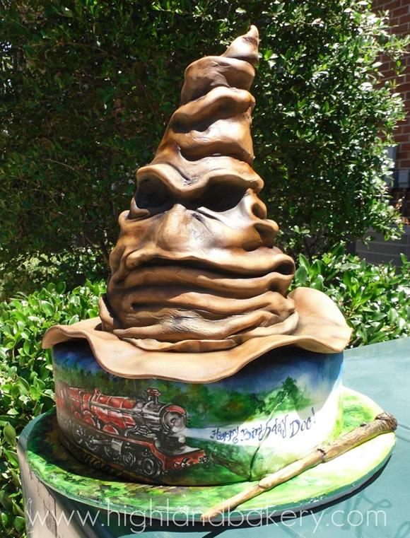 Bolo incrível em forma do Chapéu Seletor da série Harry Potter