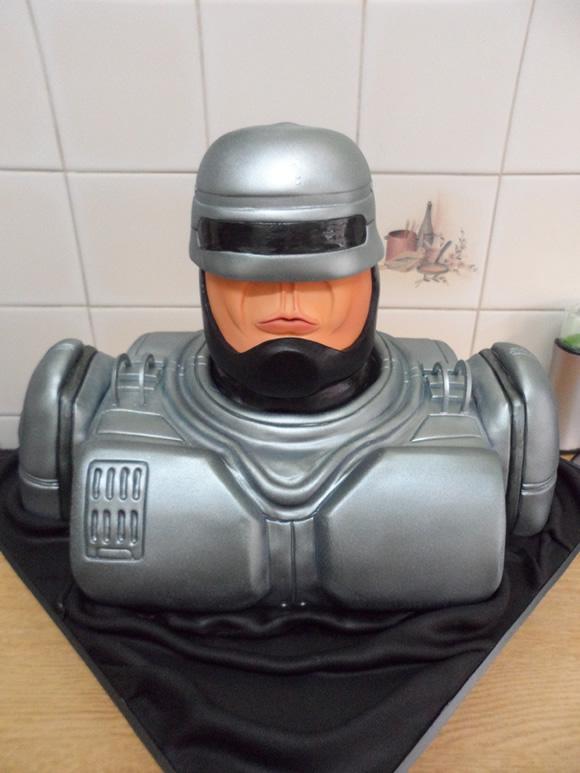 Cozinha geek: Bolo incrível do RoboCop