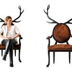 Cadeiras inusitadas colocam chifres e orelhas em quem se senta nelas