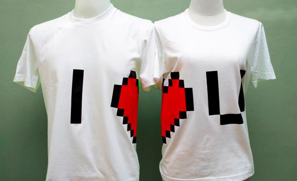 Para casais geeks: Declaração de amor com as camisetas Pixel Heart