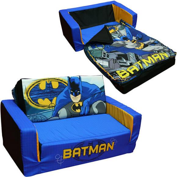 Sofá-cama do Homem Morcego. Santo conforto Batman!