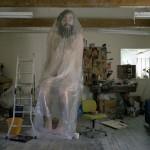 esculturas-realistas-humanos-gigantes_10