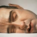 esculturas-realistas-humanos-gigantes_2