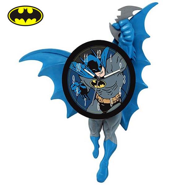 Santo Relógio Batman - Relógio de parede do super-herói tem braços e pernas que se movimentam
