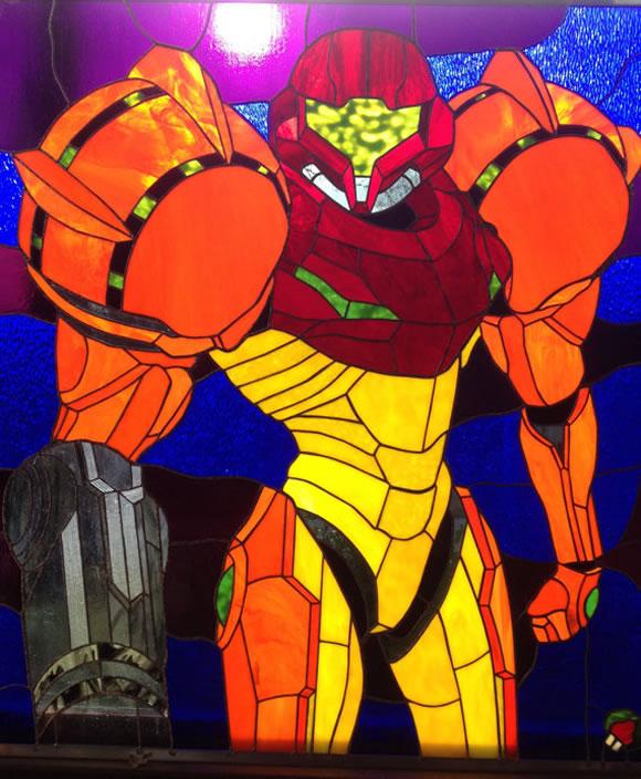 Vitral incrível da Samus Aran do game Metroid