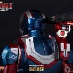 Novo action figure Iron Man Patriot da Hot Toys tem LEDs que se acendem e detalhes impecáveis