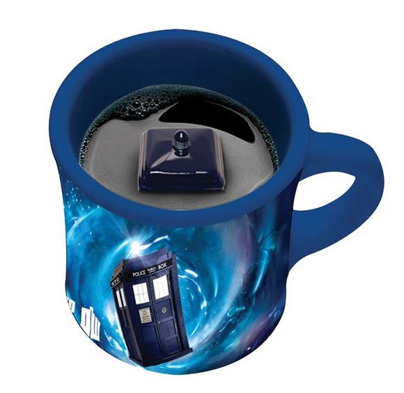 Tardis Inside - Você toma o café e aparece uma Tardis dentro da sua caneca