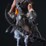 Estátua de DragonBorn do game Skyrim tem roupa de couro e outros detalhes incríveis!