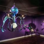 Decoração bizarra: Artista cria lustres incríveis equipados com tentáculos de polvos