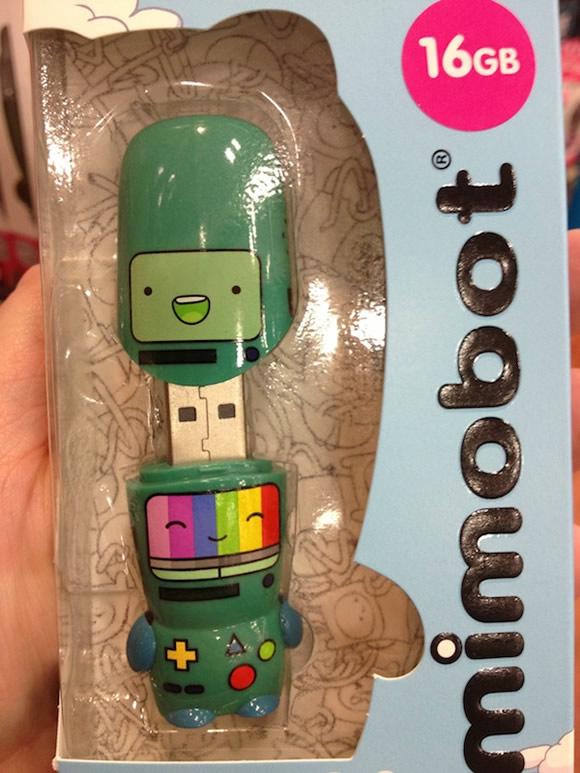 Isso é legal do dia: Pen drive Mimobot do BMO da série Adventure Time