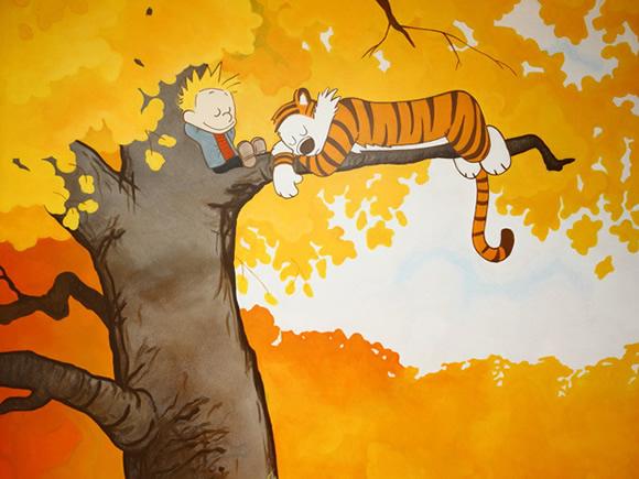 """Quarto com o tema Calvin e Haroldo tem até uma """"casa na árvore"""""""