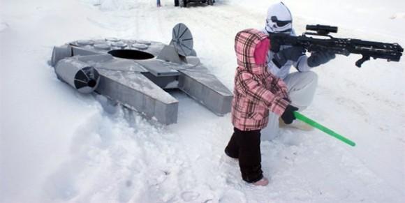 Pai cria para sua filha um trenó em forma da Millenium Falcon da série Star Wars