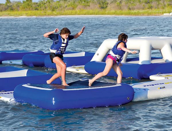 Conheça a fantástica corrida de obstáculos flutuante!