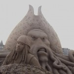 esculturas-de-gigantes-de-areia-jack-sparrow