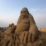 esculturas-de-gigantes-de-areia-king-kong