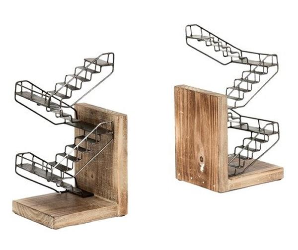 Isso é legal do dia: Porta-livros criativo tem formato de escadas