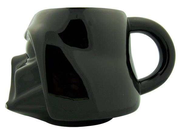 Canecas em forma do capacete do Boba Fett e Darth Vader para fãs de Star Wars