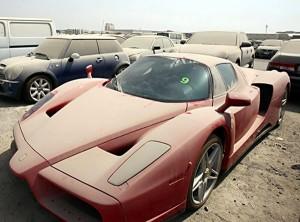 carros-luxo-abandonados-dubai
