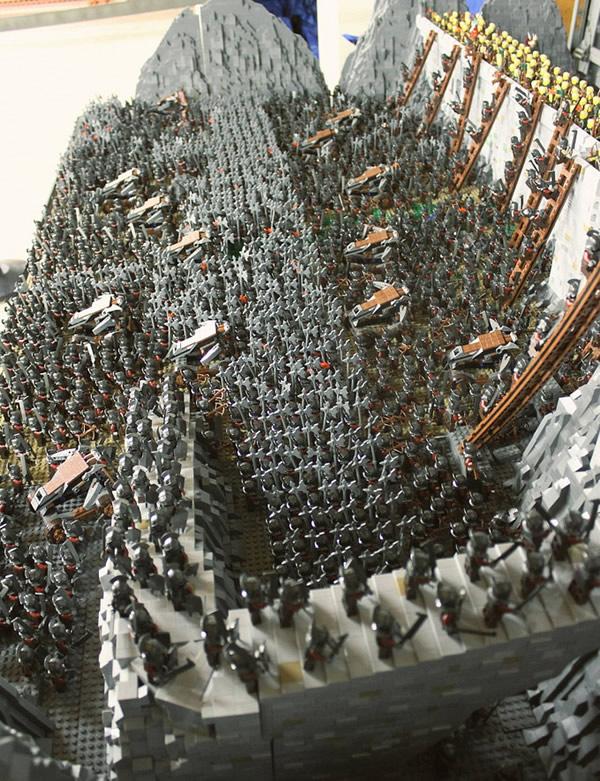 diorama-lotr-helms-deep-lego