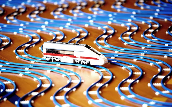 Com vocês: A maior Ferrovia totalmente feita de LEGO já criada pelo homem!