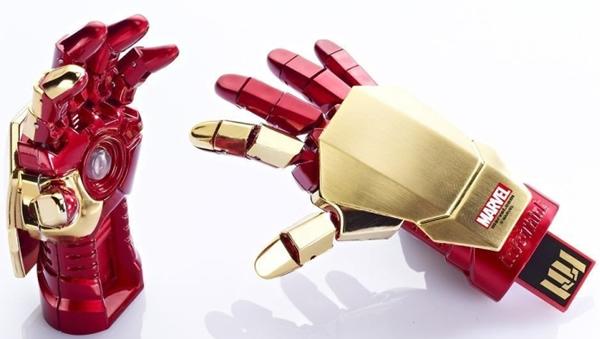 Pen drive AWESOME em forma da mão do Iron Man baseado no filme Homem de Ferro 3