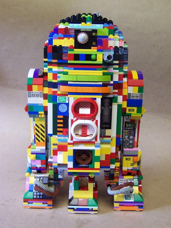 Isso é legal do dia: R2-D2 ultra colorido feito com peças de Lego!