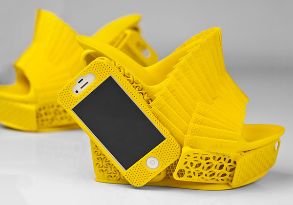 Sapato impresso em 3D vem com compartimento especial para guardar smartphones
