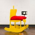 Desenhos de móveis feitos por crianças viram móveis de verdade