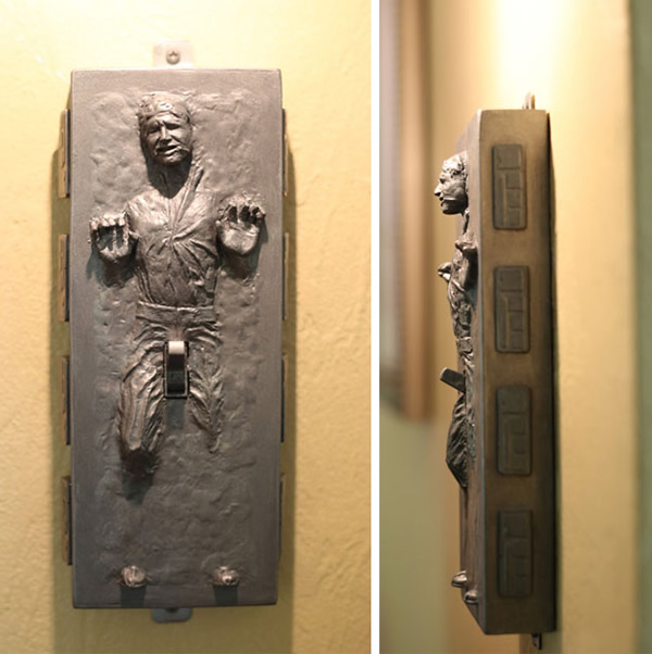 Interruptor de luz sacana do Han Solo preso em Carbonite