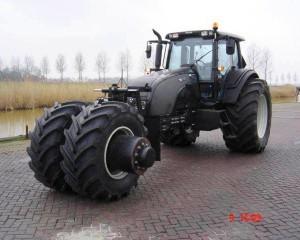 batman-tumbler-tractor