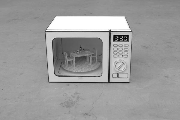 Sua vida dentro de seus gadgets: Esculturas de aparelhos eletrônicos feitas de papel escondem miniaturas de cenários