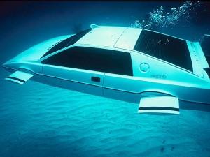 james-bond-lotus-esprit-submarino-carro