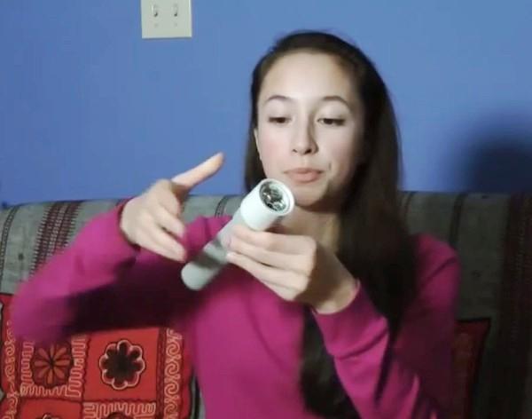 Menina Prodígio: Garota de 15 anos cria lanterna que funciona apenas com o calor de nossas mãos