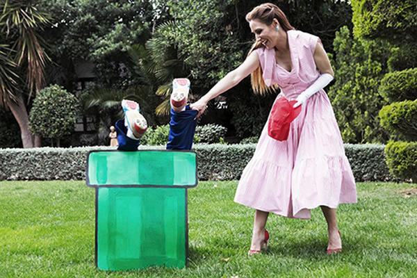 Casal comemora noivado com fotos baseadas no game Super Mario