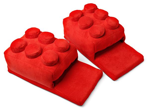 Isso é legal do dia: Pantufas de Lego!