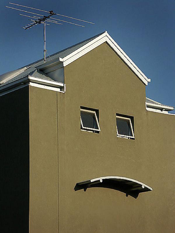 21 Casas e construções que parecem estar te observando