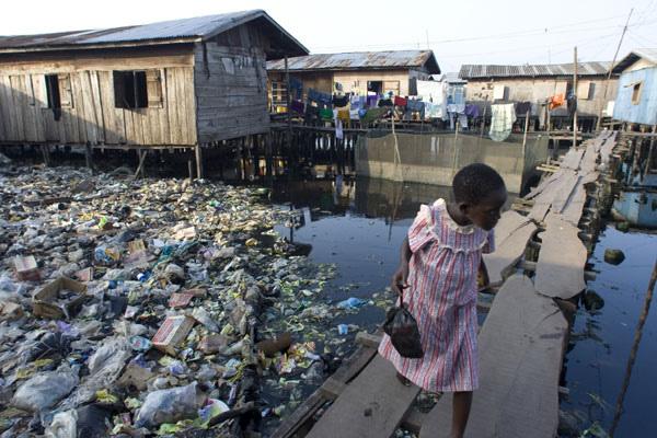 12-cidades-mais-sombrias-do-planeta-terra_makoko-lagos-nigeria