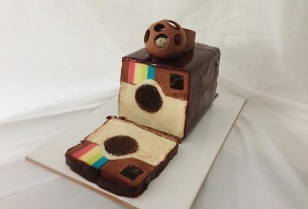 Vídeo ensina a preparar um bolo Instagram. Vai um pedaço aí?