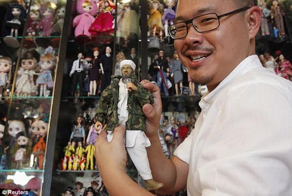 15 Imagens mostram a incrível coleção do homem que tem mais de 6 mil barbies