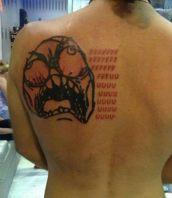 24 Tatuagens criativas e engraçadas baseadas em assuntos da internet