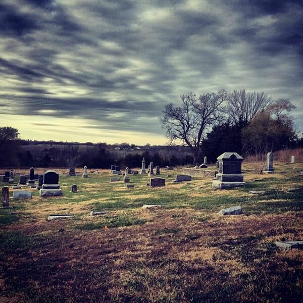 locais-historias-fantasmas_8-stull-cemetery