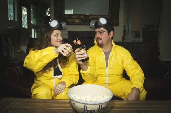 Casal comemora noivado com fotos baseadas na série Breaking Bad