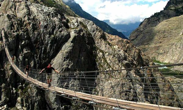 pontes-e-pinguelas-inacreditaveis_1