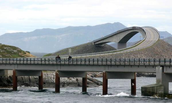 pontes-e-pinguelas-inacreditaveis_11