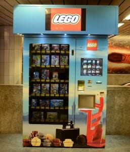 vending-machines-curiosas_LEGO-Machine