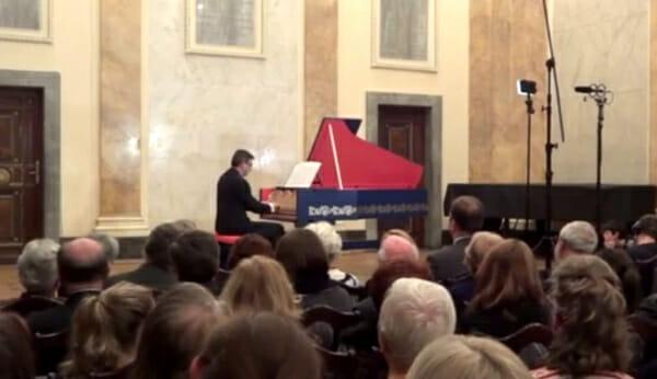 viola-organista-leonardo-da-vinci_1