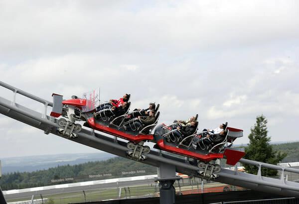 top-16-montanhas-russas-velozes_4-ring-racer-1