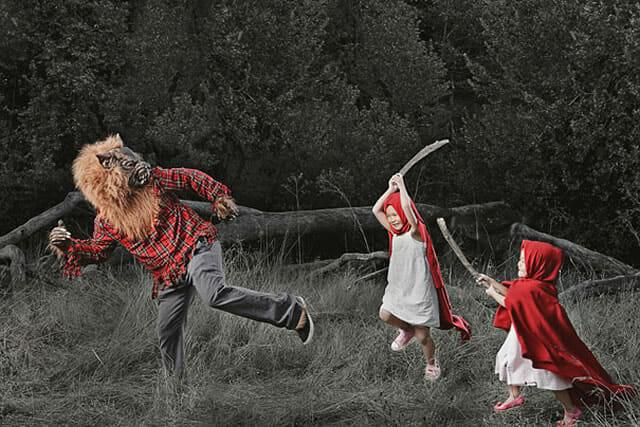 Pai criativo faz série de fotos engraçada com suas filhas